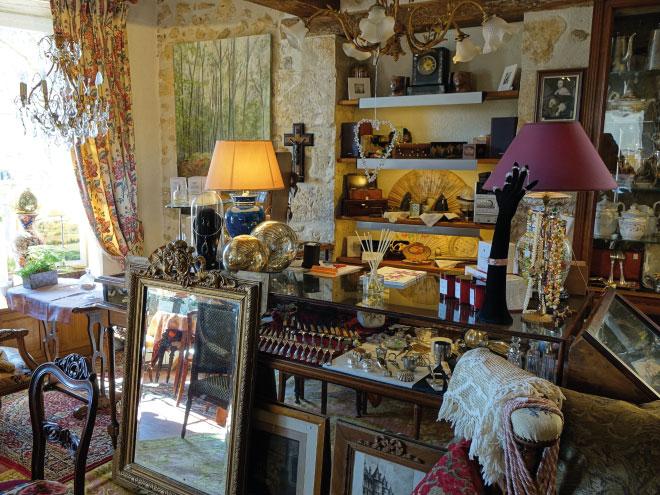 brocante dans le perche la perri re belfor t en perche orne la maison d 39 horb. Black Bedroom Furniture Sets. Home Design Ideas